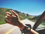 जिन्दगी में एकबार दोस्तों के साथ रोड ट्रिप्स को जरुर एन्जॉय करें