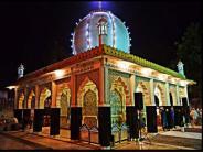 भारत के इन स्थानों पर देवी-देवताओं के साथ भूत-प्रेत भी करते हैं वास
