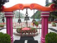 शारदीय नवरात्र 2017: नैना देवी मंदिर...यहां गिरे मां सती के नयन