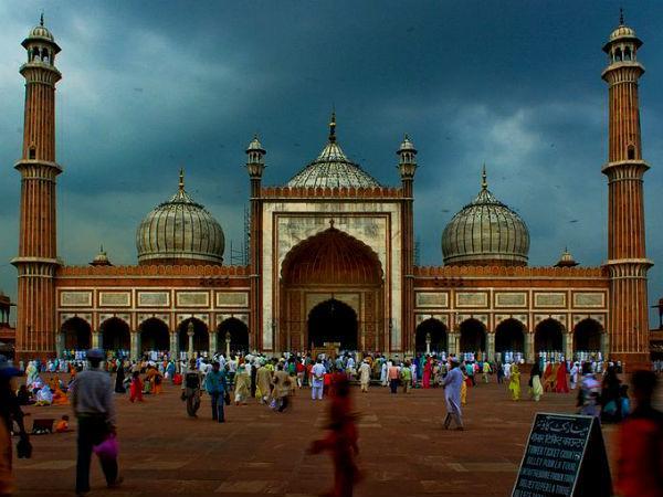 मंदिरों के बाद अब जानिये भारत की कुछ चुनिंदा मस्जिदों के बारे में