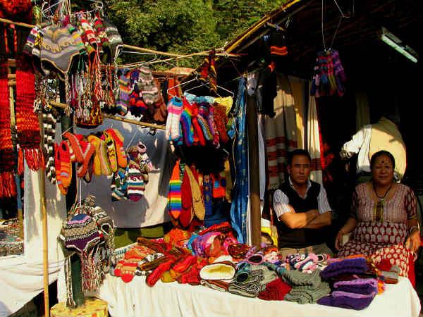 शॉपिंग के शौकीनों की काशी और वैष्णो देवी के अलावा मक्का भी है दिल्ली हाट