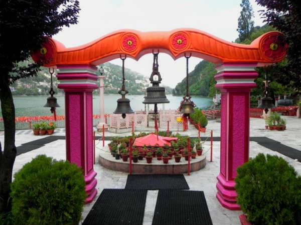 <strong></strong>नैनीताल का नैना देवी मंदिर, जहां गिरे थे माता सती के दो नयन