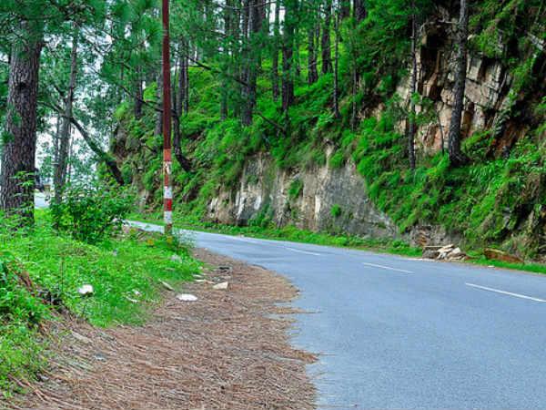नंदा देवी मंदिर और गोलू देवता मंदिर जैसे अनोखे मंदिरों के लिए भी जाना जाता है अल्मोड़ा