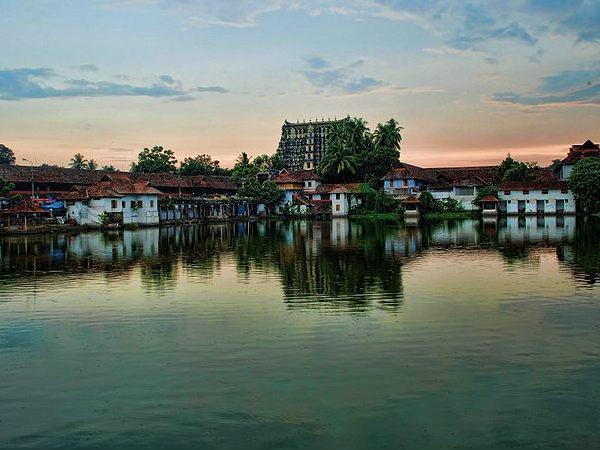 भारत के टॉप 6 धनी मंदिर, जो देते हैं टाटा, बिड़ला और अंबानी को दौलत में मात