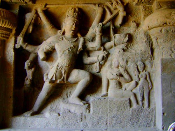 हिन्दू बौद्ध और जैन तीनों धर्मों के महत्त्वपूर्ण केंद्र एलोरा की कुछ एक्सक्लूसिव तस्वीरें