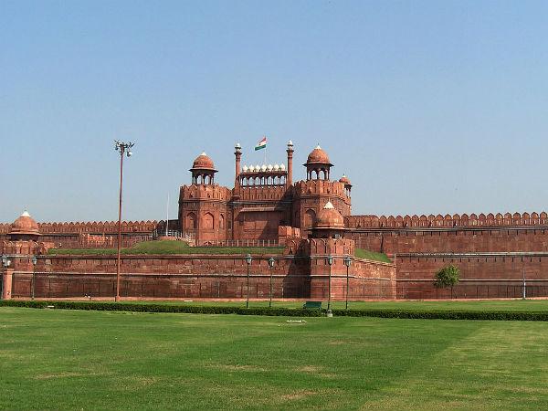 अगर इतिहास में है दिलचस्पी तो सैर करें भारत की 500 साल पुरानी ऐतिहासिक इमारतों की