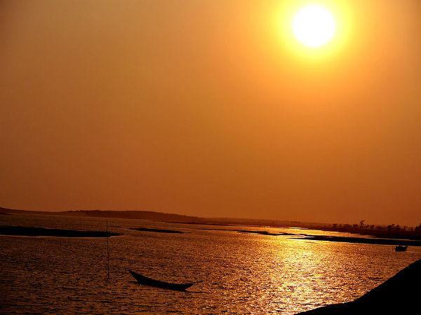 पुरी में देखें जगन्नाथ मंदिर और समुद्री तट के आकर्षण दृश्य