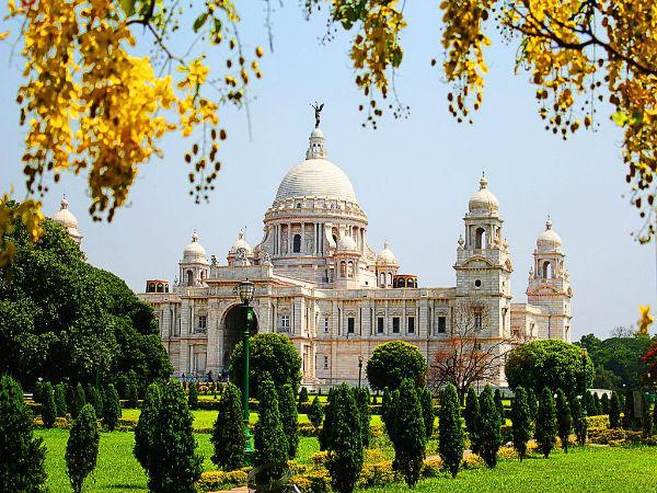 कीजिये दर्शन कोलकाता के भव्य आकर्षण स्थलों का