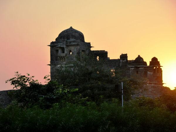 स्मारकीय भारत: चित्तौरगढ़ किले से जुड़ी 9 दिलचस्प बातें!