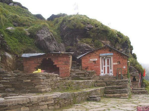 ऐसा मंदिर जहाँ केवल भगवान शिव जी के मुख की पूजा होती है व उनके बाकि शरीर की, पड़ोसी देश नेपाल में!