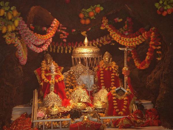 दशहरा उत्सव: भारत में माँ दुर्गा के 16 खास और अद्वितीय मंदिर!