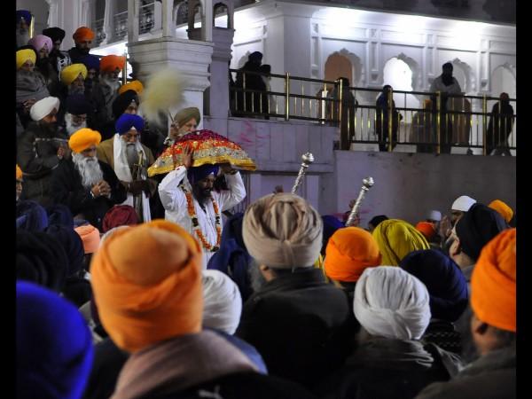 इसी गद्दी पर बैठ कर होते हैं सिख धर्म की समस्याओं के समाधान!