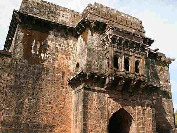 पन्हाला किला...जहां शिवाजी के आगे घुटने टेक भागे थे दुश्मन