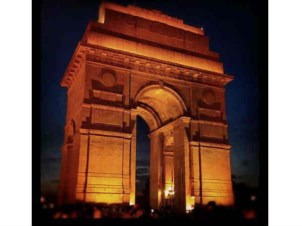 रात में घूमनी है दिल्ली..तो इन जगहों पर जाना बिल्कुल भी ना भूले