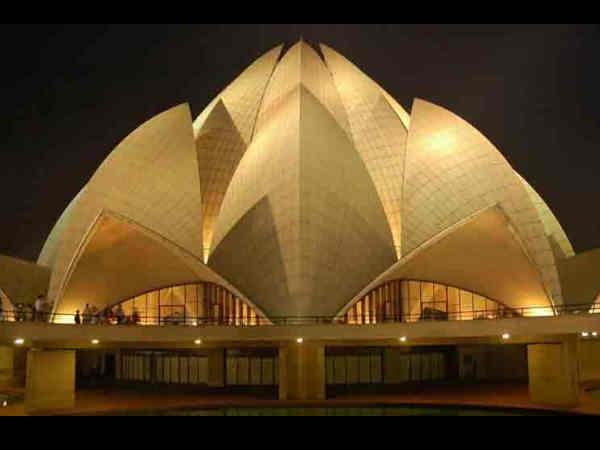 दिल्ली में कमल मंदिर नहीं देखा तो क्या देखा