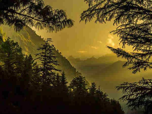 हिमाचल के इस खूबसूरत गांव पर आज भी है विदेशियों का कब्जा
