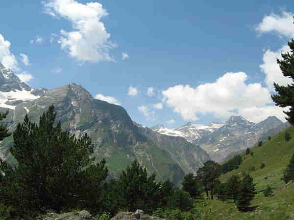 अगर है ट्रैकिंग का शौक तो फ़ौरन जायें..हिमाचल प्रदेश