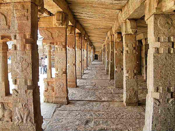 इस मंदिर में झूलती है मीनारे....वैज्ञानिक भी है हैरान