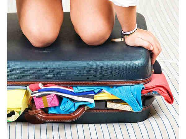 लड़कियों की यात्रा को और भी सुखद बनायेंगे ये पैकिंग टिप्स