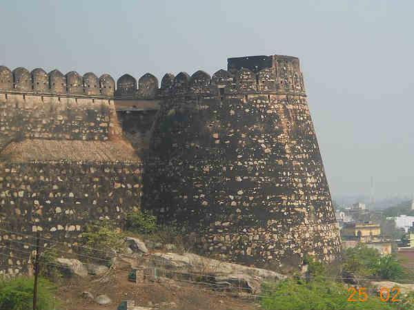 Best Places Visit Jhansi Hindi