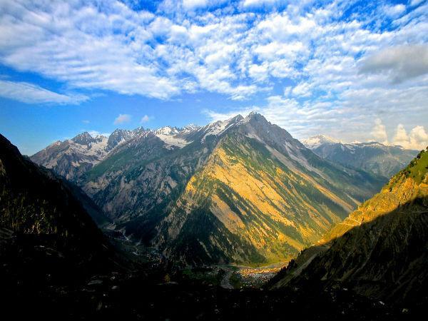 कश्मीर की घाटी में ले झीलों के बीच ट्रैकिंग का मजा