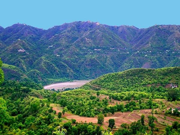 चंडीगढ़ से इन खूबसूरत स्थानों का बनाएं प्लान