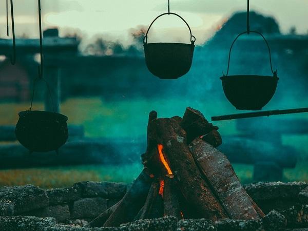 गर्मियों के दौरान यहां लें कैम्पिंग का रोमांचक अनुभव