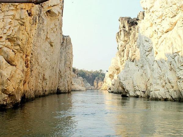 मध्य प्रदेश का नगीना है जबलपुर, जानिए यहां के प्रसिद्ध स्थलों के बारे में