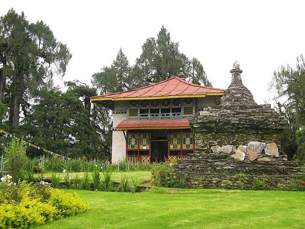 मई-जून में बनाएं सिक्किम के खूबसूरत हिल स्टेशन युकसोम का प्लान