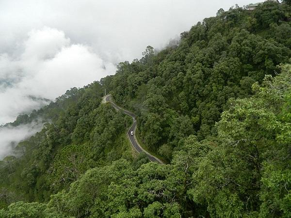 उत्तराखंड : लैंसडाउन की यात्रा के दौरान भ्रमण करें इन खास स्थलों का
