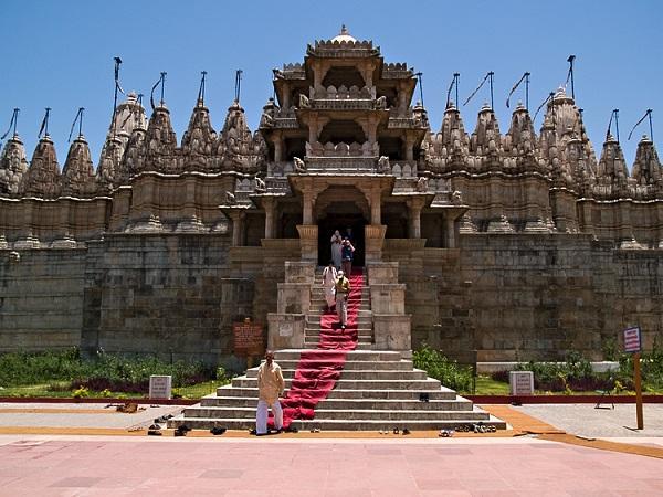कला-दर्शन के प्रेमी हैं तो एक बार जरूर करें राजस्थान के रणकपुर की सैर