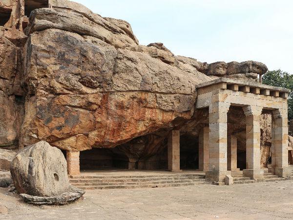 Image result for लोहंगी पीर vidisha tourism