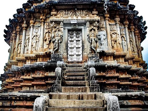 जब महादेव ने काट डाला था ब्रह्मा का सिर, अद्भुत है अन्नपूर्णेश्वरी मंदिर की कहानी