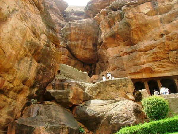 बादामी गुफा मंदिर