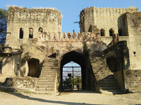 नूरपुर किला