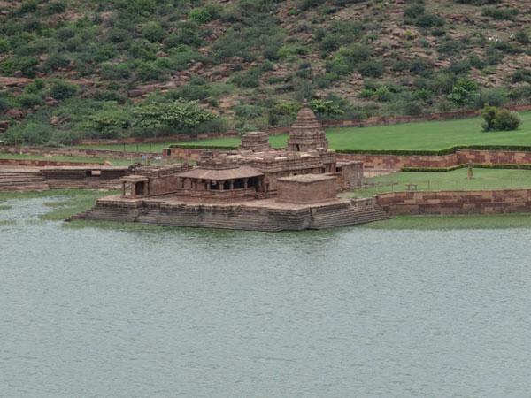 भूतनाथ मंदिरों का समूह