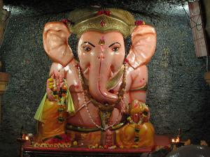 Ganesh Chaturthi Special Popular Ganesha Temples India 000384 Pg