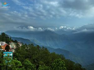History Culture Gangtok Hindi