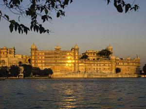 Best Heritage Hotels In Udaipur Hindi