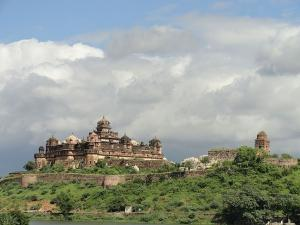 Datia Palace In Madhya Pradesh Hindi
