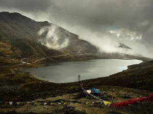 Tsomgo Lake Near Gangtok Sikkim Hindi