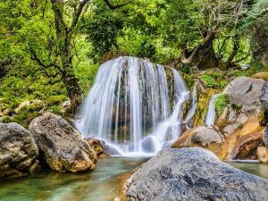 Kempty Falls In Mussoorie Hindi