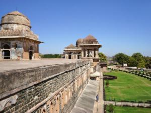 Jahaz Mahal Mandu Hindi