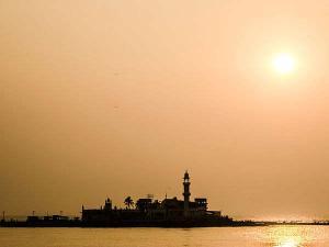 Haji Ali Dargah Mumbai Perfect Place Visit Ramzan Hindi