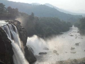 Most Beautiful Waterfalls In Kerala Hindi