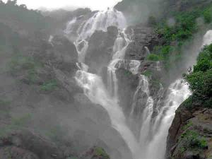 Spectacular Monsoon Honeymoon Destinations India Hindi
