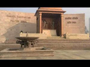 Ambedkar Memorial Park Lucknow Travel Guide Hindi