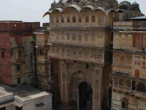 You Must Visit This Offbeat Town In Rajasthan Hindi