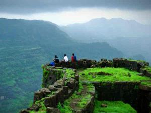 These Trekking Destinations Explore Near Mumbai Pune With Your Gang Hindi