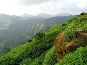 Things Do Monsoon Mumbai Hindi